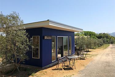 オリーブ畑と美味しいごはん「オキオリーブ ガーデンカフェ」で広がるコミュニティー